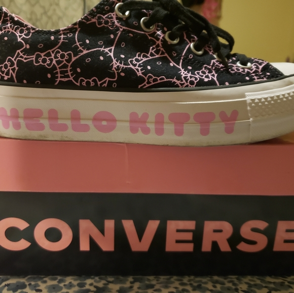 Converse Shoes   Hello Kitty Sneakers